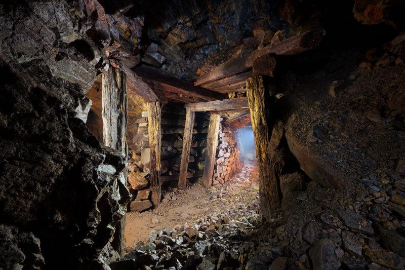 De propres étais en bois dans une mine!