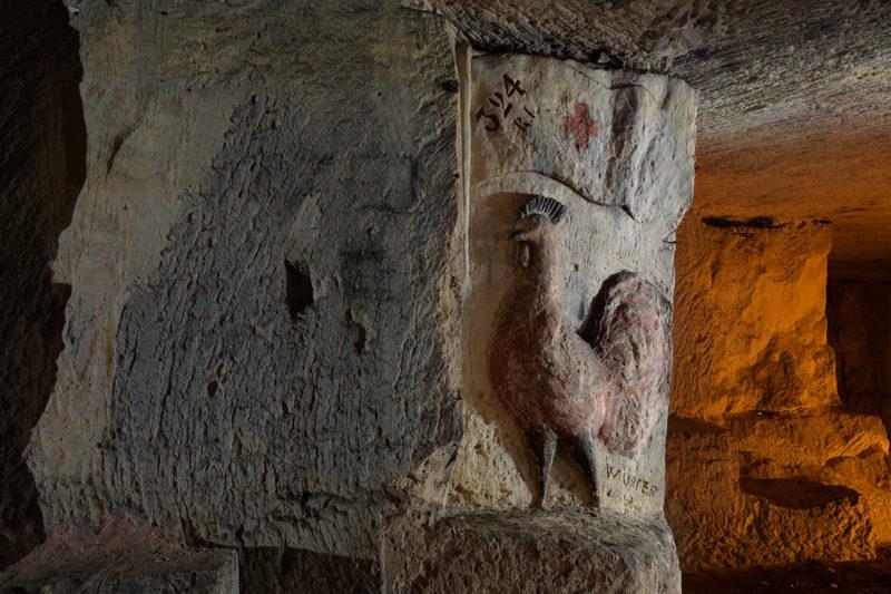 Le Coq, dans le dédale calcaire souterrain.