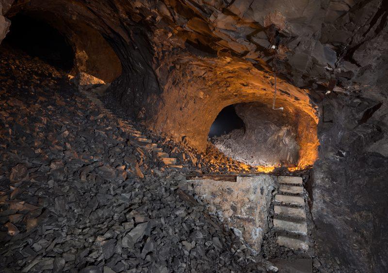 Plan incliné suivant le pendage de la couche calcaire.