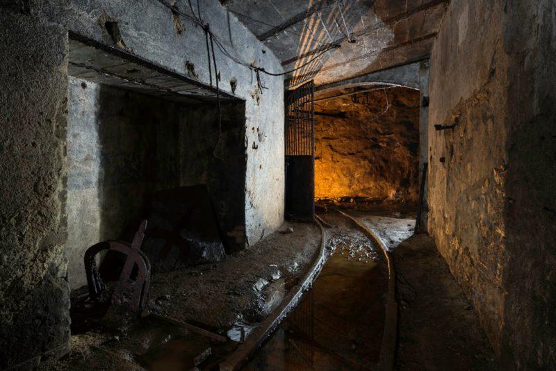 L'Aiguille de sortie d'un garage dans une mine.