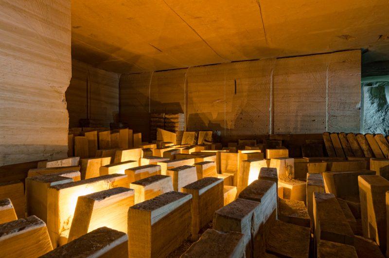 Mémorial constitué de moellons.