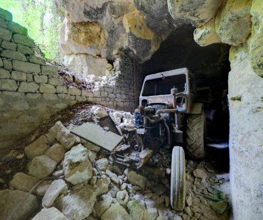 Tracteur dans l'Eboulement