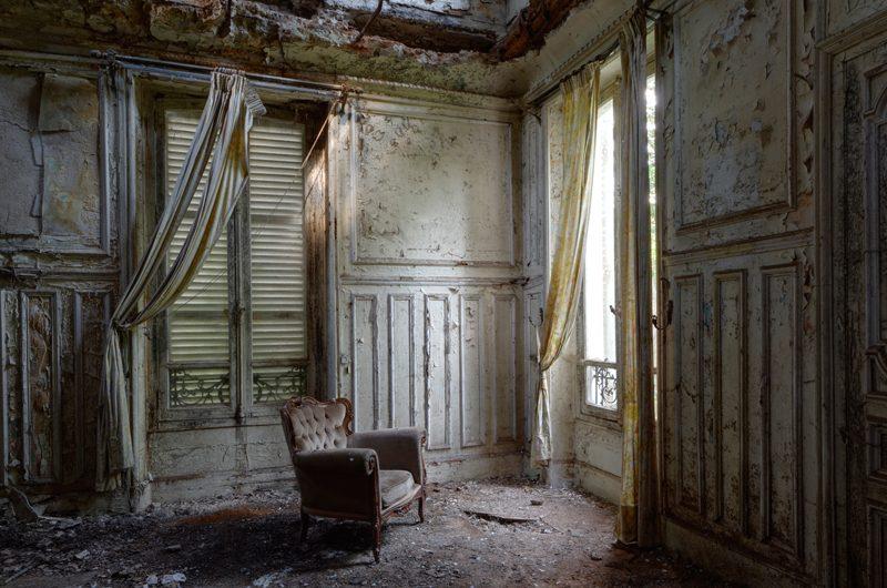 Une grande solitude suggérée dans cette pièce.
