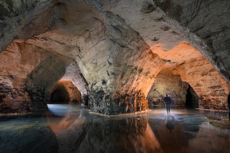 Les hauts-fonds d'un lac souterrain.